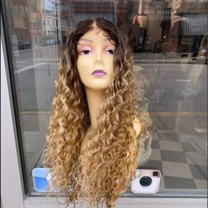 Ombre blonde curly freeparting Swisslace Lace wig